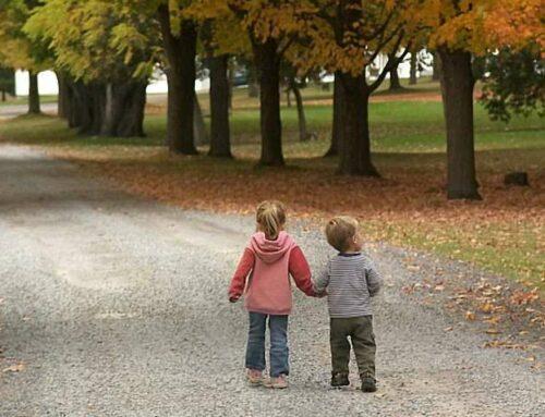 С какого возраста дети могут гулять одни